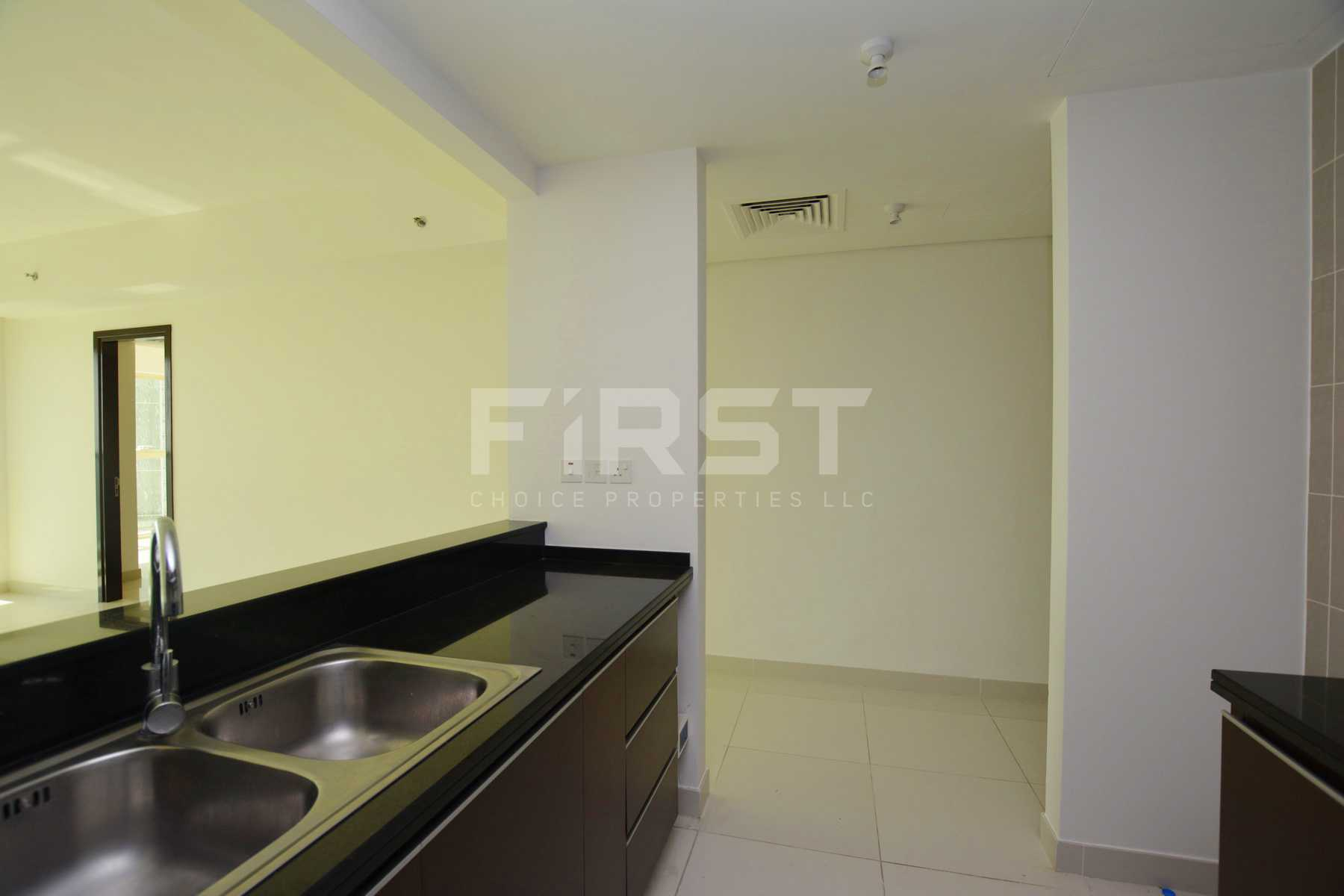 Internal Photo of 1 Bedroom Apartment in Al Maha Tower Marina Square Al Reem Island Abu Dhabi UAE (6).jpg