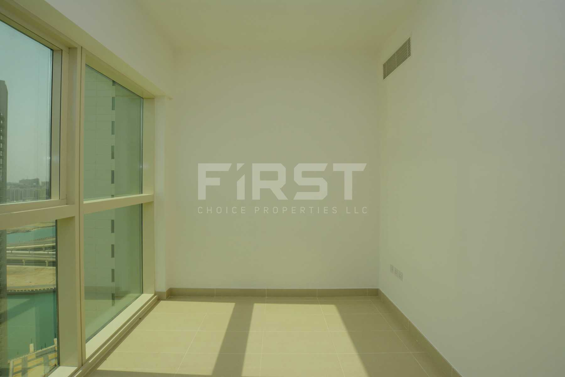 Internal Photo of 1 Bedroom Apartment in Al Maha Tower Marina Square Al Reem Island Abu Dhabi UAE (22).jpg