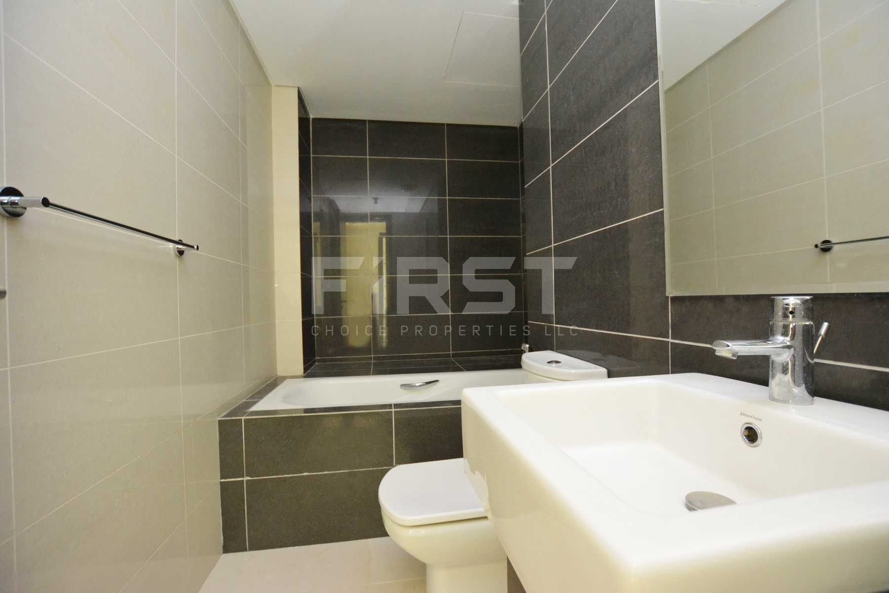 Internal Photo of 1 Bedroom Apartment in Al Maha Tower Marina Square Al Reem Island Abu Dhabi UAE (26).jpg