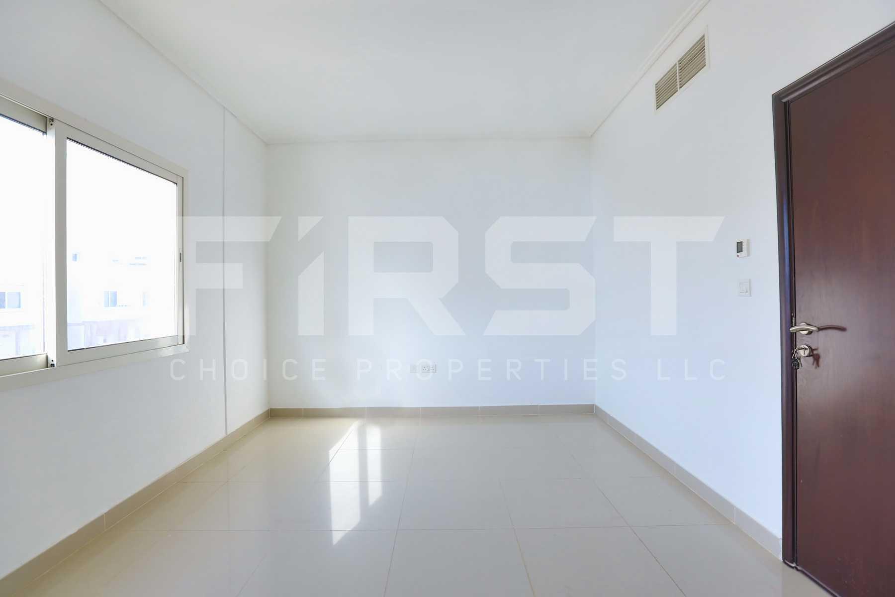 Internal Photo of 2 Bedroom Villa in Al Reef Villas  Al Reef Abu Dhabi UAE 170.2 sq.m 1832 sq.ft (10).jpg