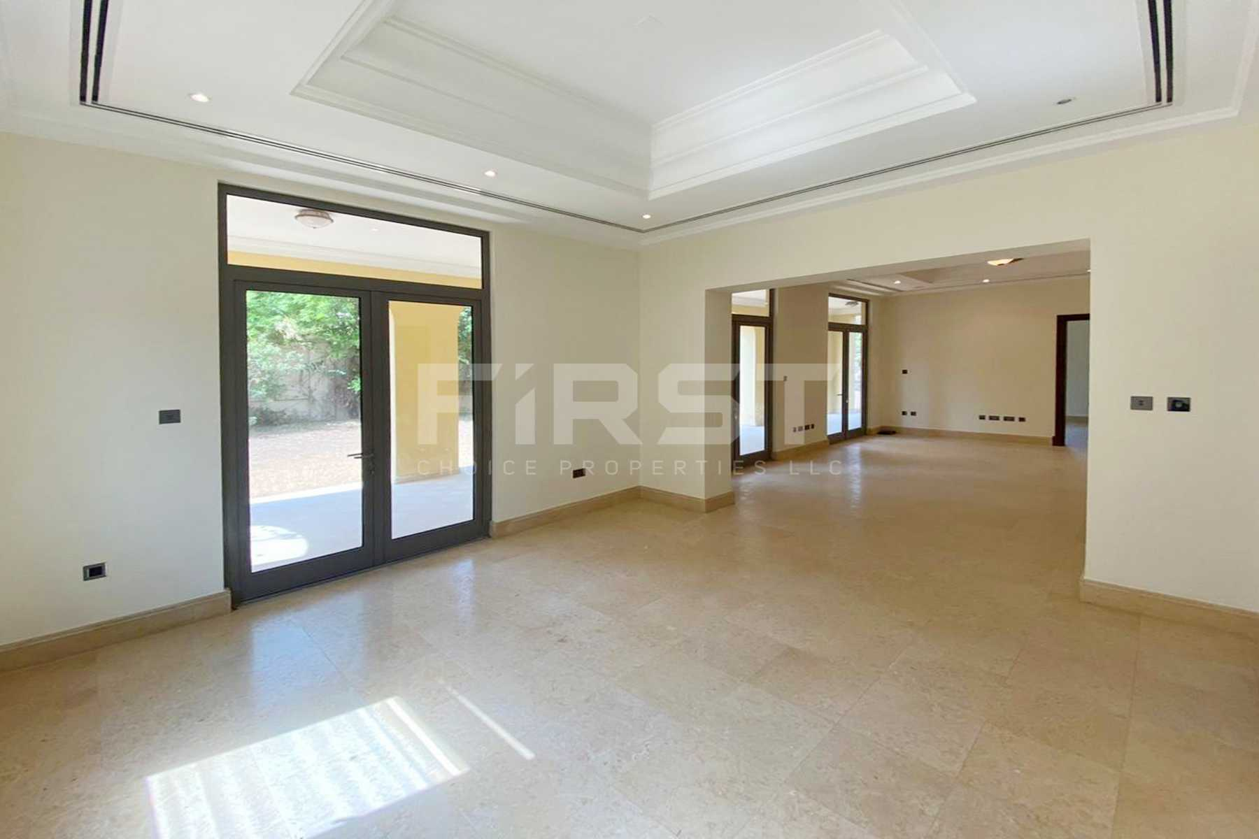 Internal Photo of 5 Bedroom Villa in Saadiyat Beach Villa in Saadiyat Island Abu Dhabi UAE (15).jpg