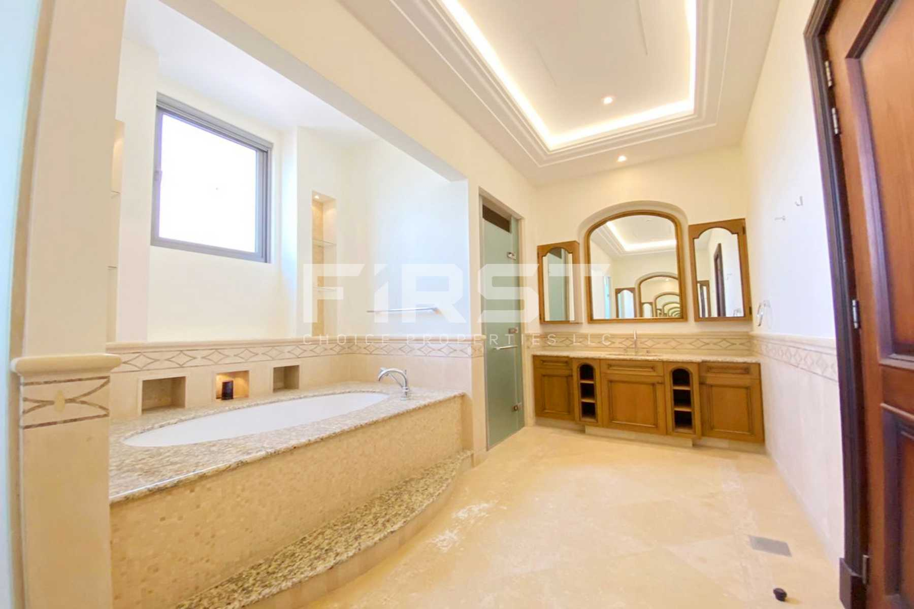Internal Photo of 5 Bedroom Villa in Saadiyat Beach Villa in Saadiyat Island Abu Dhabi UAE (22).jpg