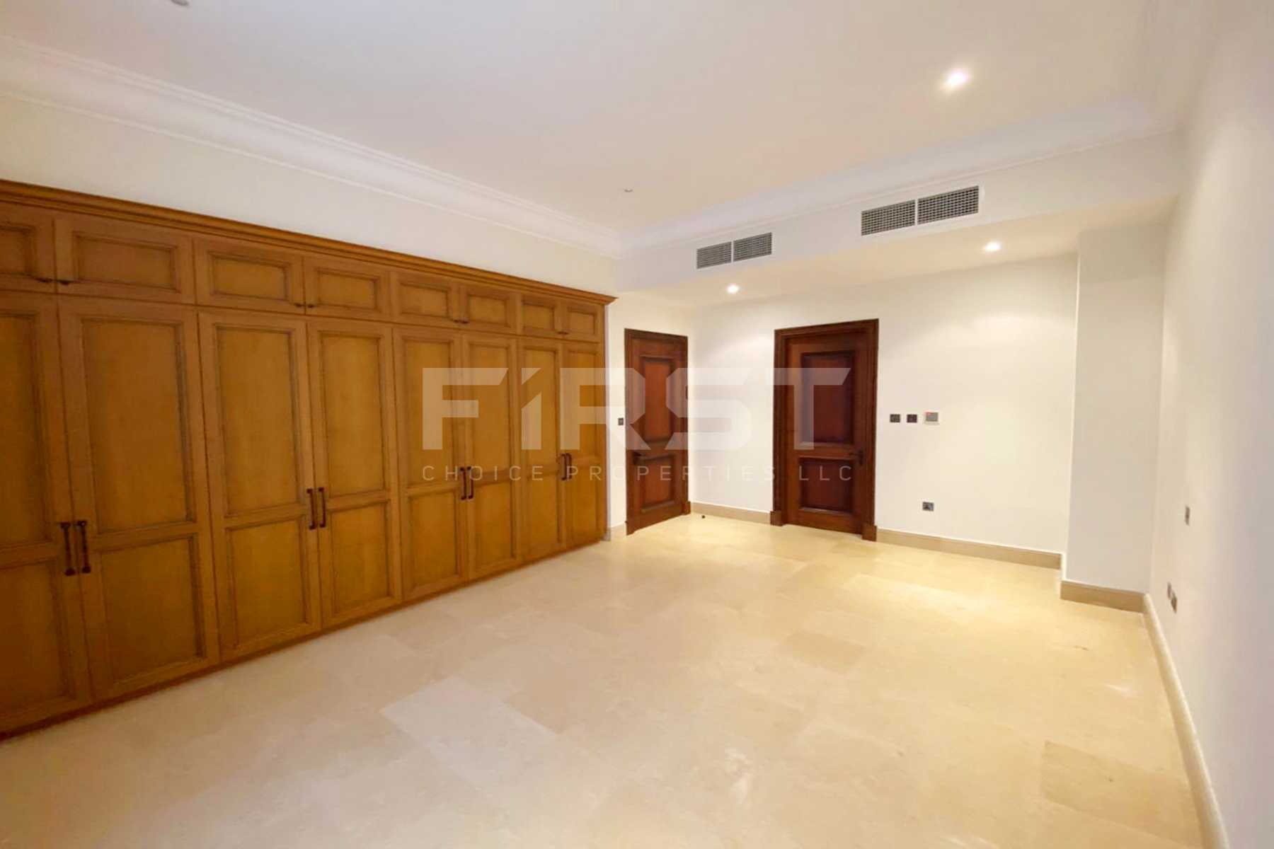 Internal Photo of 5 Bedroom Villa in Saadiyat Beach Villa in Saadiyat Island Abu Dhabi UAE (27).jpg