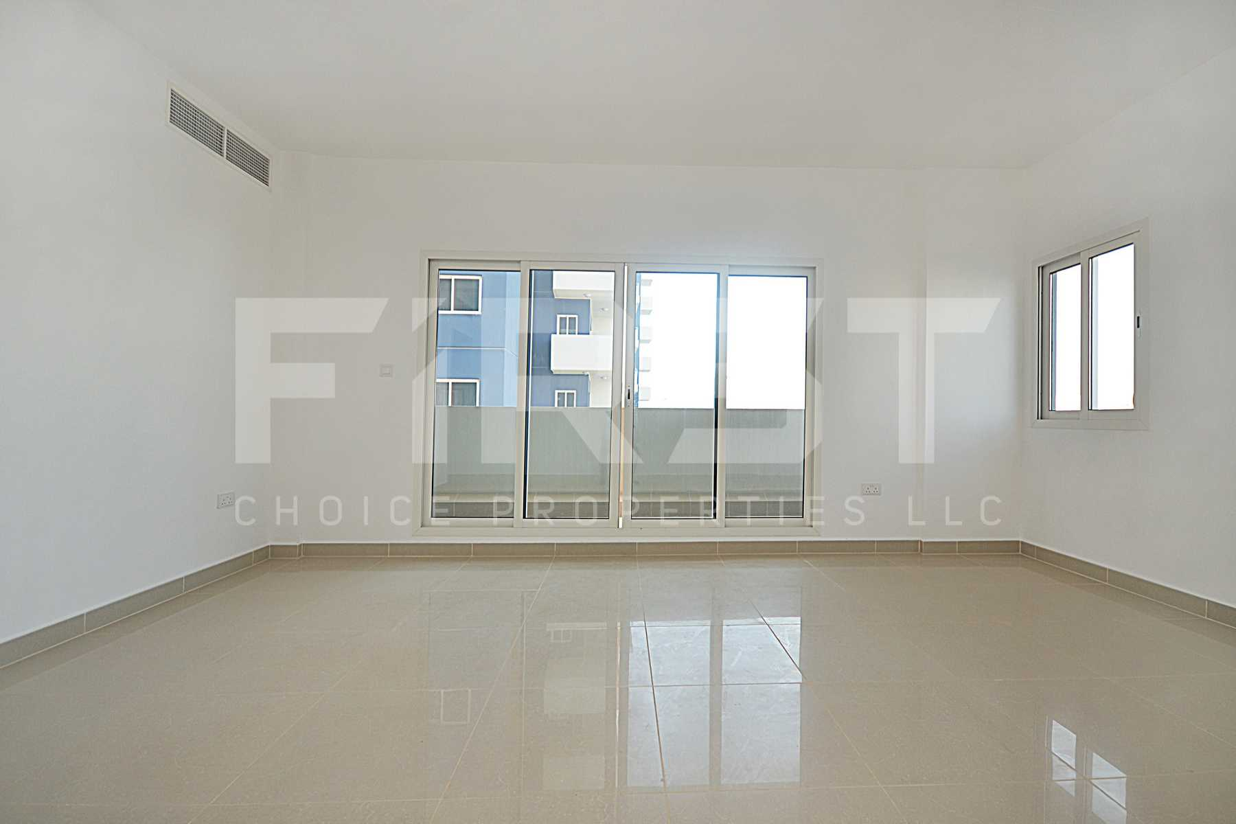 Internal Photo of 3 Bedroom Apartment Closed Kitchen in Al Reef Downtown Al Reef Abu Dhabi UAE (1).jpg