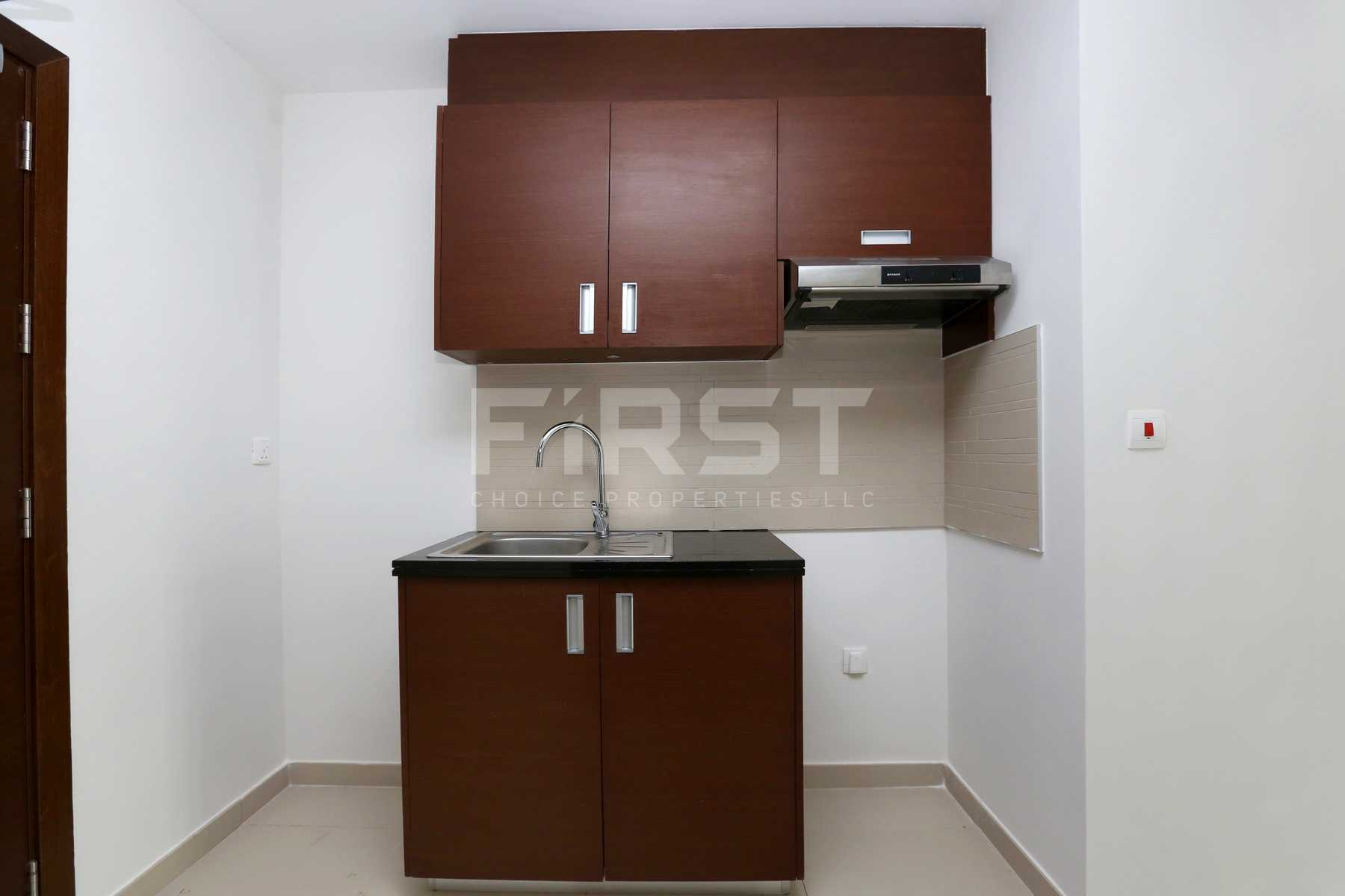 Internal Photo of Studio Apartment in The Arc Al Reem Island Abu Dhabi UAE (3).jpg