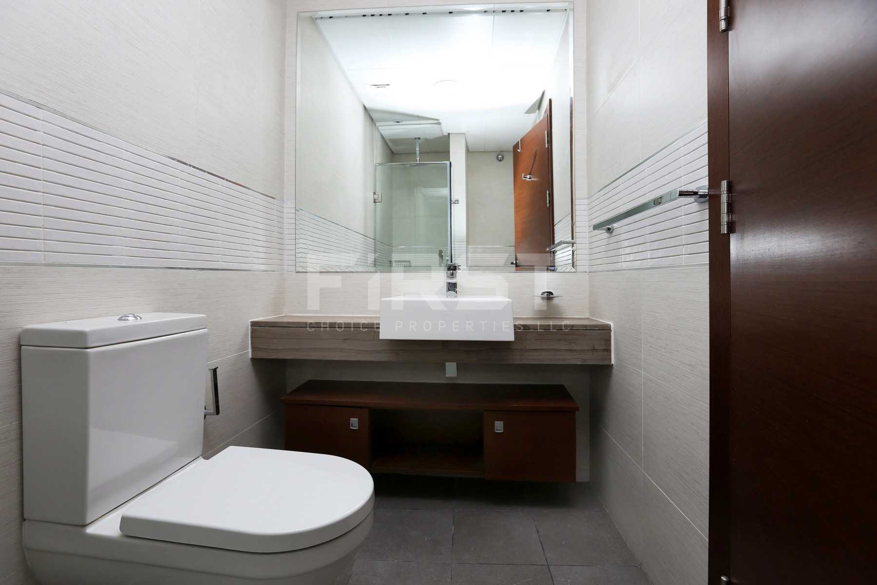 Internal Photo of Studio Apartment in The Arc Al Reem Island Abu Dhabi UAE (8).jpg