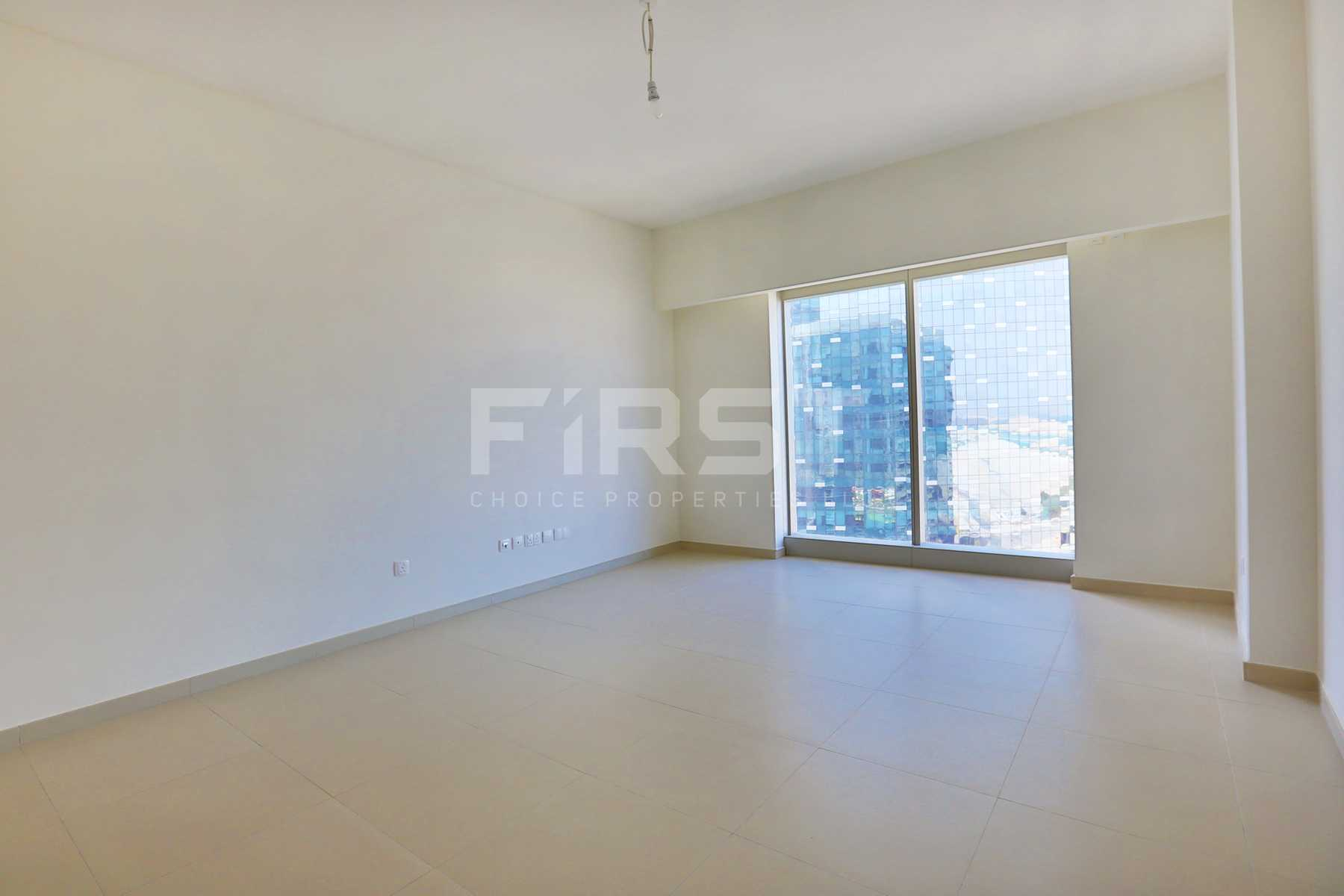 Internal Photo of Studio Apartment in The Arc Al Reem Island Abu Dhabi UAE (10).jpg