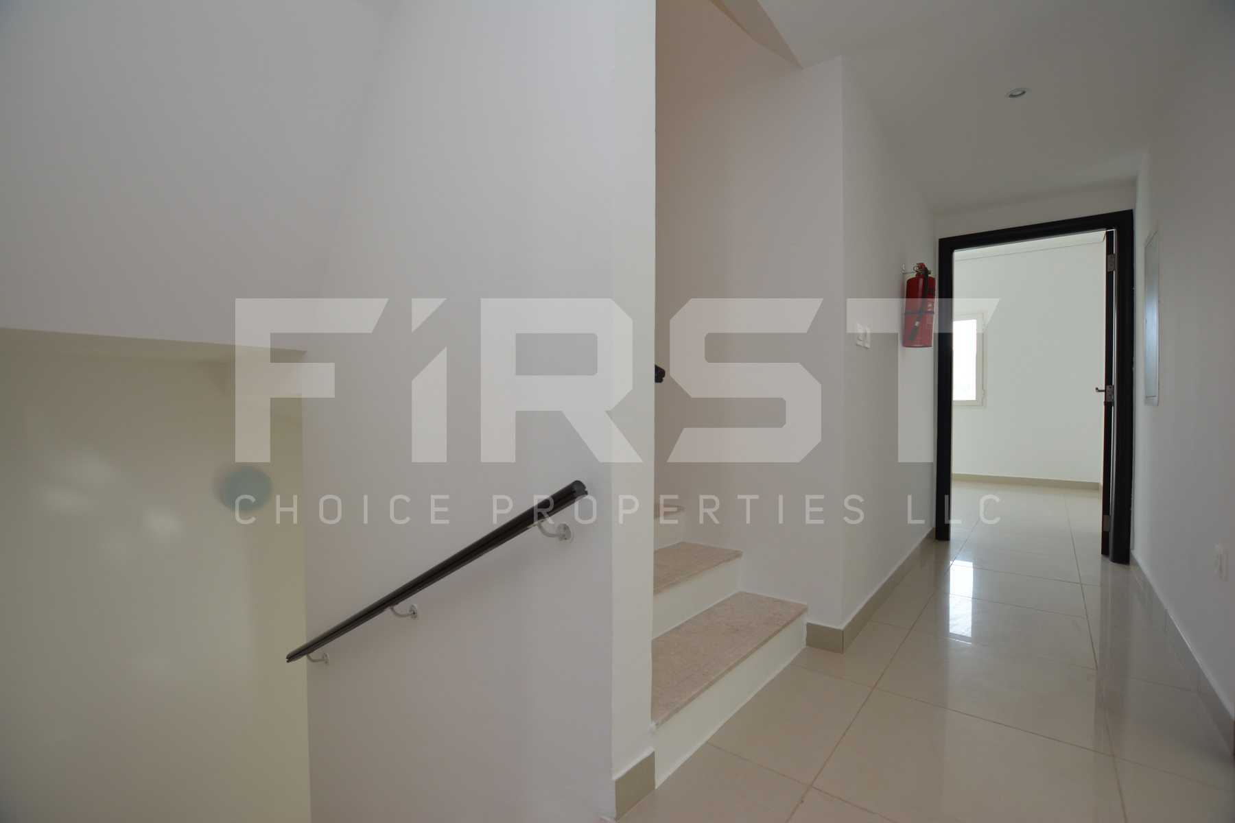 Internal Photo of 5 Bedroom Villa in Al Reef Villas 348.3 sq.m 3749 sq.ft (95).jpg