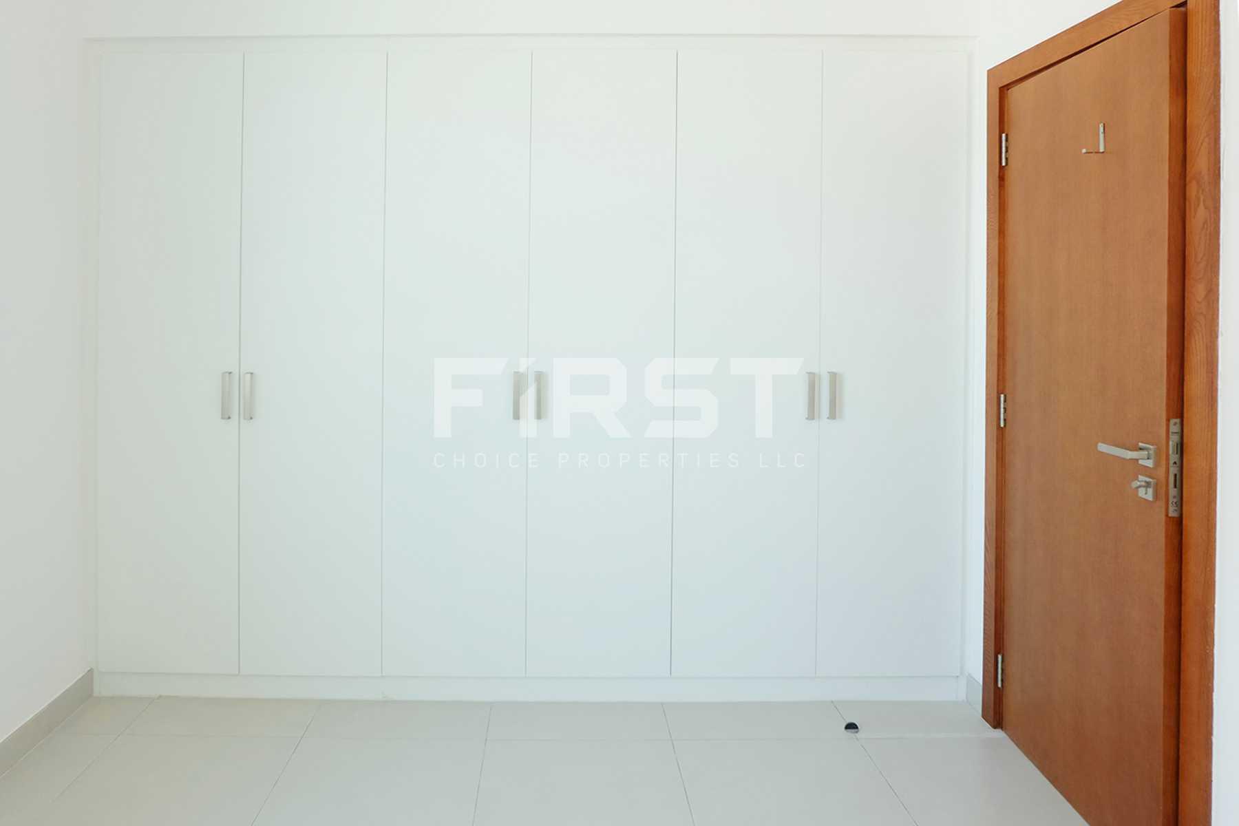Internal Photo of  2 Bedroom Apartment in Parkside Residence Shams Abu Dhabi UAE (1).jpg