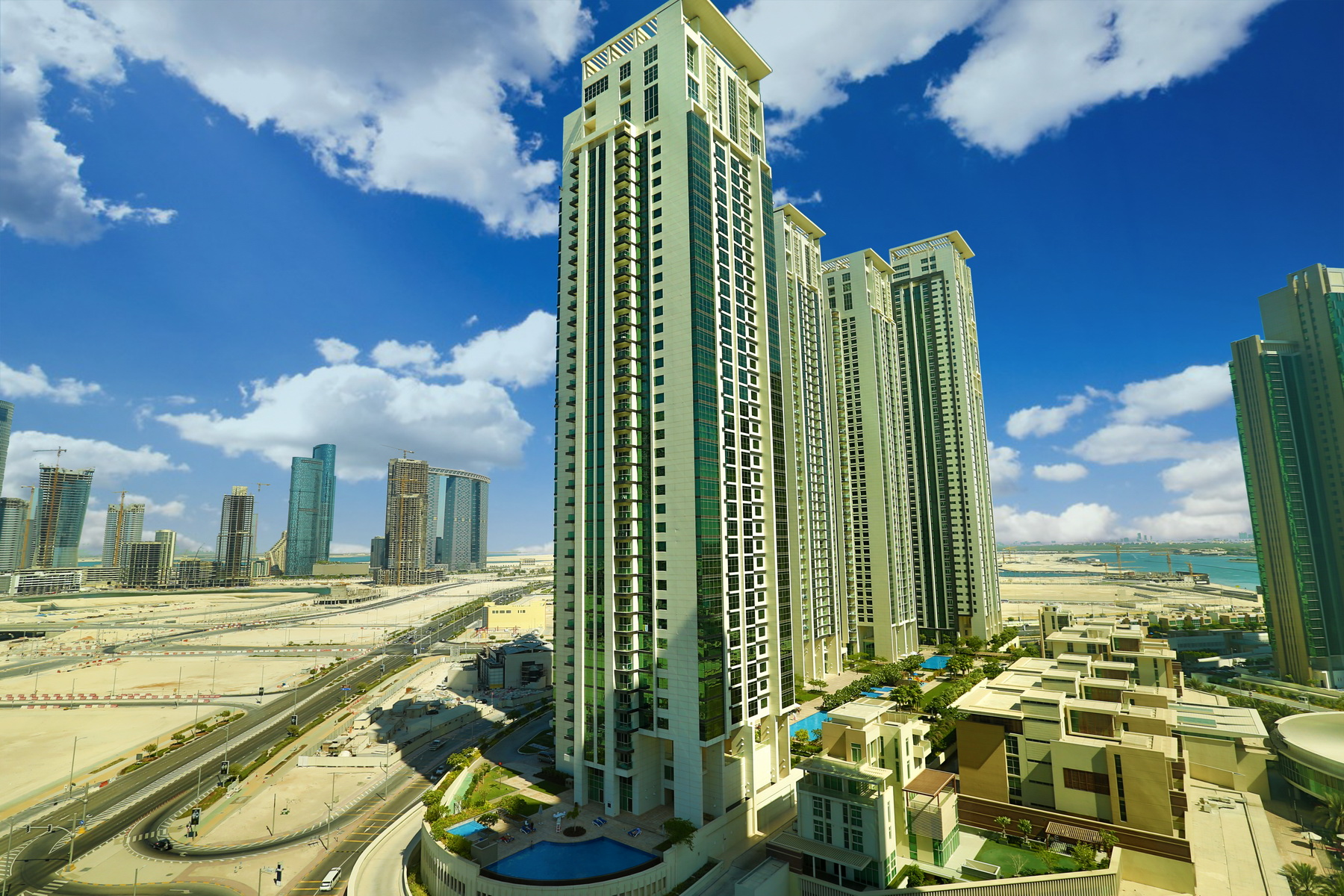 Studio - 1BR - 2BR - 3BR - 4BR Apartment - Abu Dhabi - UAE - Al Reem Island - Marina Square - Outside View (13).JPG