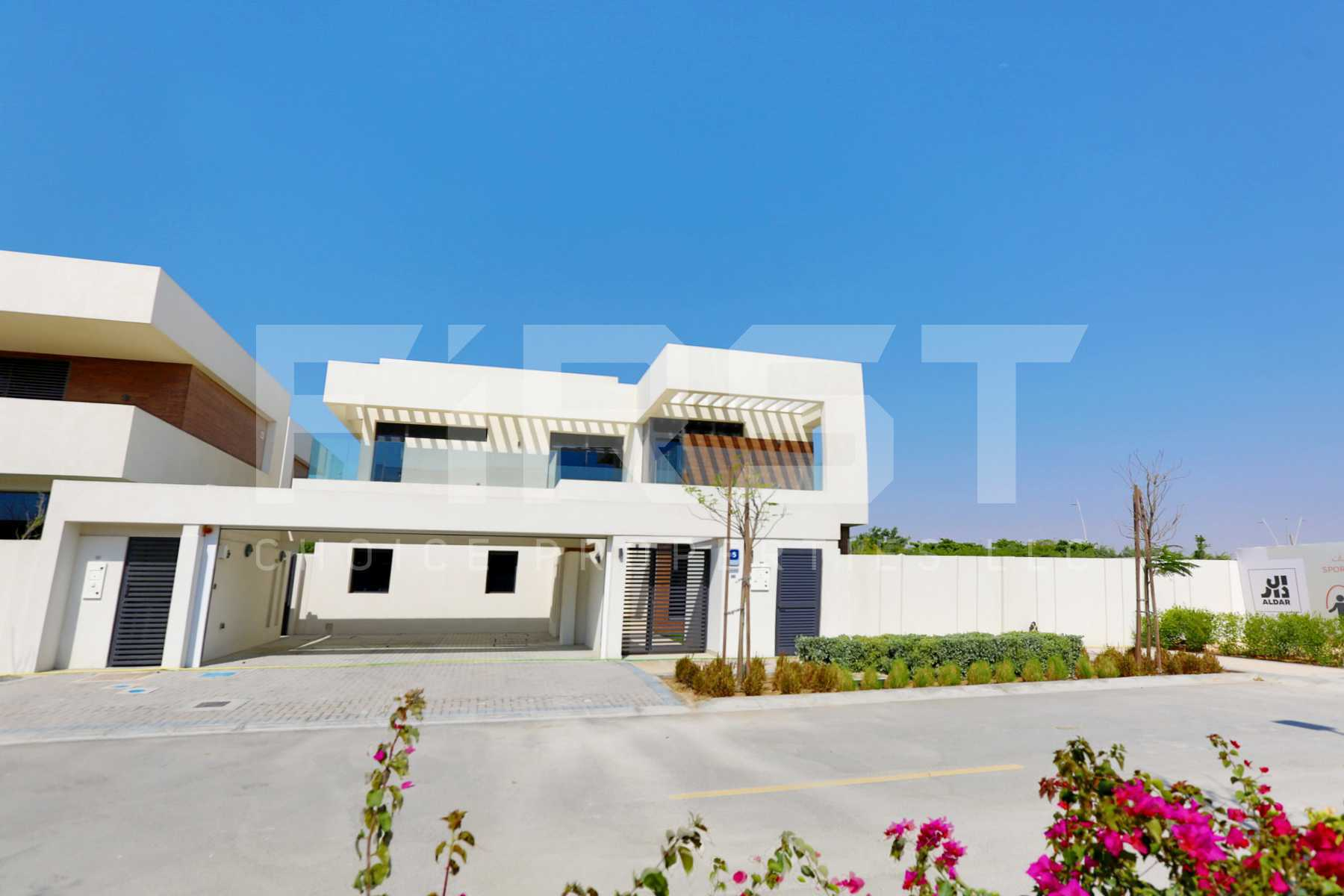 External Photo of 5 Bedroom Villa in West Yas Yas Island Abu Dhabi UAE(7).jpg